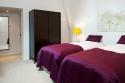 Albany Lane Edinburgh holiday home - Master Bedroom