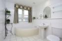 Holyrood-bathroom-2
