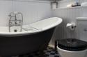 Royal Mile Mansion roll-top bath