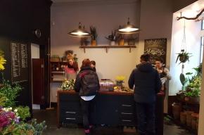 Narcissus counter - Valentine's Day in Edinburgh
