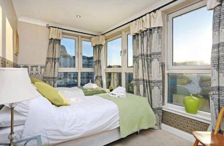 Holyrood - holiday homes in Edinburgh Scotland