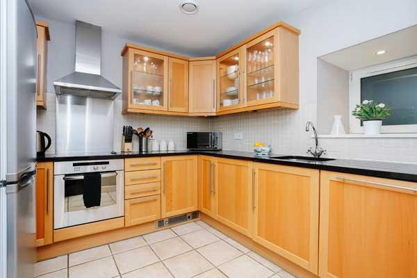 Kitchen - holiday lettings Edinburgh