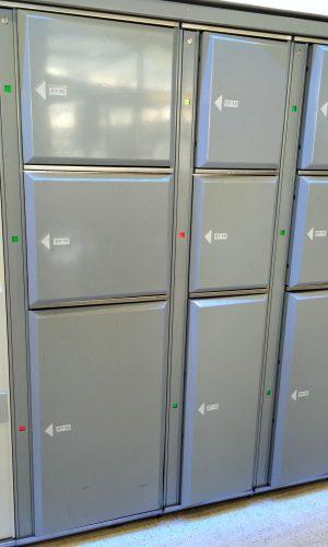 Edinburgh-Bus-Station-standard-and-extra-wide-lockers